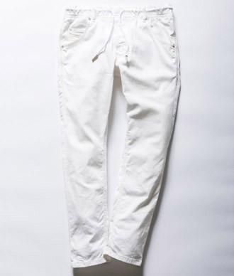 ディーゼルのホワイトジョグジーンズ