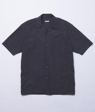 コモリのオープンカラーシャツ
