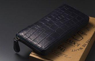 〈NOMADOI〉の名作がアップデート!<br>ラグジュアリーな型押しクロコ財布、登場!