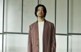 """金子ノブアキ ×adidas Originals<br>定番アウターは""""旬色""""スニーカーで魅せる!"""