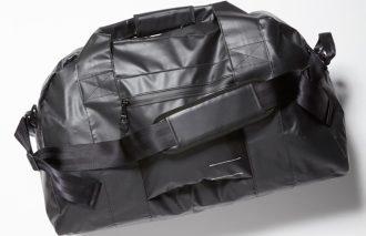 今月の読者プレゼント! 〈ブランク〉のジャケット、シャツ、バッグを7名様に!
