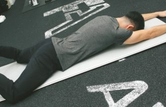 ダイエットにも、姿勢を正すのにも効果あり!! プロが簡単トレーニングを伝授