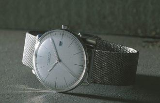 シンプルな三針の腕時計こそが「男の腕元をアゲる」逸品【ユンハンス/JUNGHANS】