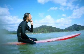 人気モデル・パトリシオが聖地・宮崎でサーフィン!