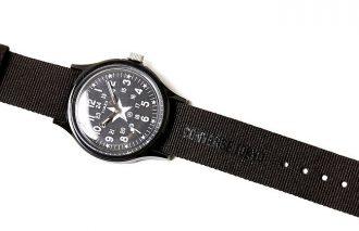 コンバース&タイメックスのコラボによるシンプルで大人めな腕時計